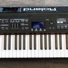 Roland RD-700SX 88 Key Stage Digital Piano Electronic Keyboard