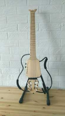 Soloette SongBird Nylon Travel Guitar 2010 клён