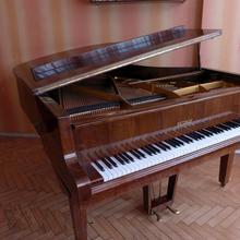 Petrof рояль 1985 коричневый