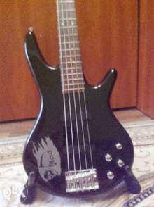 Ibanez GSR 205
