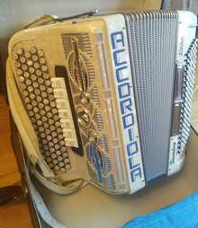 Accordiola  Trovatore  Белый