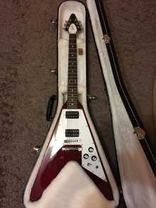 Gibson  Flying V '67 Reissue Cherry Chrome Hardware USA(2011г.)