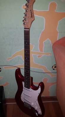 Aria STG-003  Красный