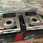 Pioneer   2 - CDJ 2000 Nexus & 1 Pioneer DJM900 Nexus Mixer   2015 silver