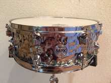 """Mapex MPX Hammered Steel 14x5,5""""."""
