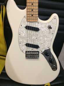 Fender Mustang 2016 Olympic White