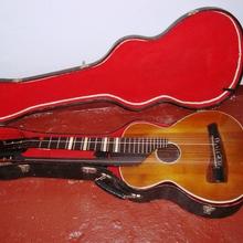 Гитара мастеровая (мастер Паницкий)  2х грифовая (Цыганского типа) С  родным футляром,   1938 коричневый