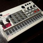 KORG volca sample  белый