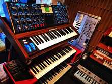 Moog Minimoog Voyager Electric Blue