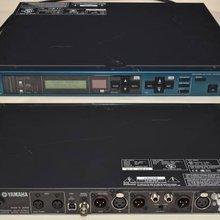 Процессор эффектов YAMAHA SPX 2000 .