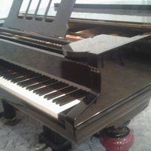 Полностью отреставрированный рояль Becker