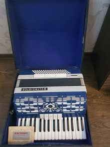 Продам аккордеон Weltmeister Cordal с кейсом