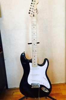 Fender stratocaster replica