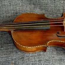 Старинная итальянская скрипка XVIII века