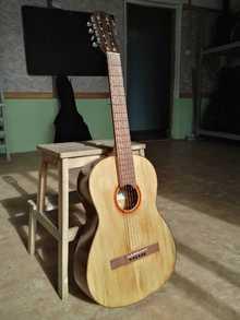 Классическая гитара фабрики им. А. В. Луначарского