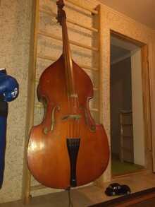 Московская фабрика 4/4 1974  струны красный томастик