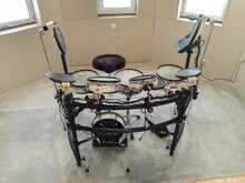 Электронная барабанная установка Roland Vdrum