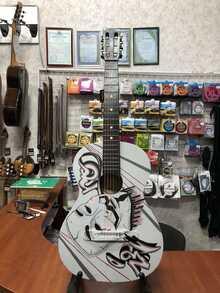 (3700) Гитара 3\4 с Росписью «Маска Zero» Новые Колки и Струны