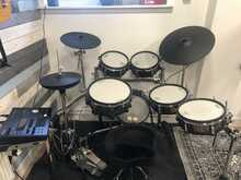 Roland TD50K V Drum Electronic Set with EXTRAS Speaker Thrown Stands Cables