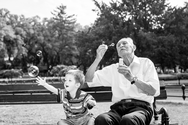 Grandpa-and-Child5bb5d7e11f875