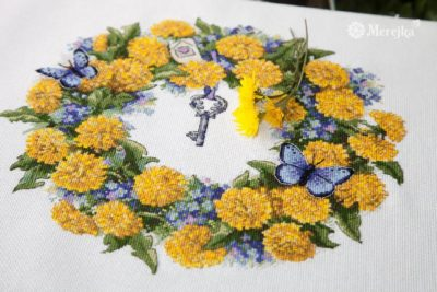 Wreath of dandelions | Needlepoint Kits
