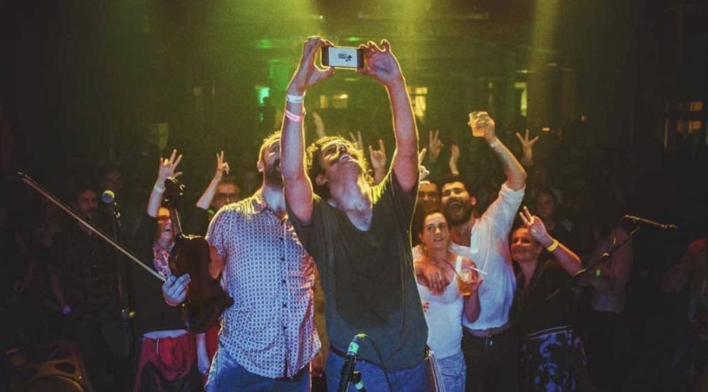 Anahit Sahne sahnesinden bir selfie