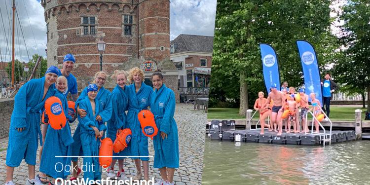 Wethouder springt met gezin Hoornse haven in voor actie Swim to Fight Cancer [video]
