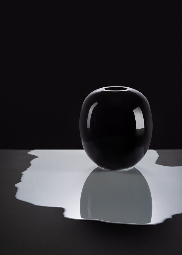 Artwork Black & White vase - Black main picture