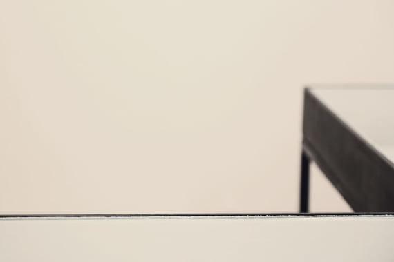 Na dosah – Glass table by Markéta  Tichá,