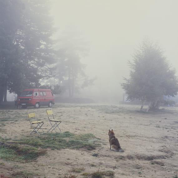 Bez názvu (série Camp) #4 by Oldřich Malachta,