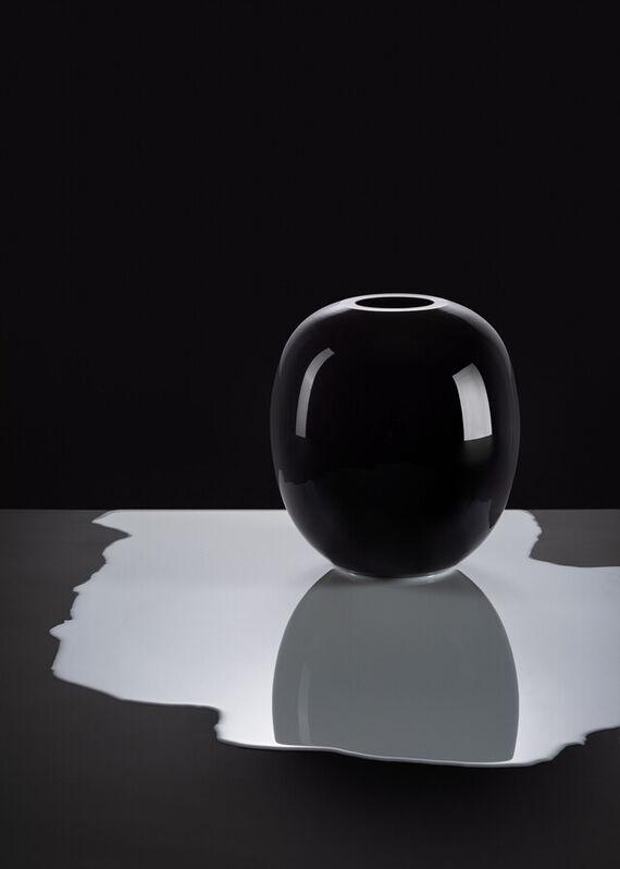 Black & White vase - Black by František  Jungvirt,