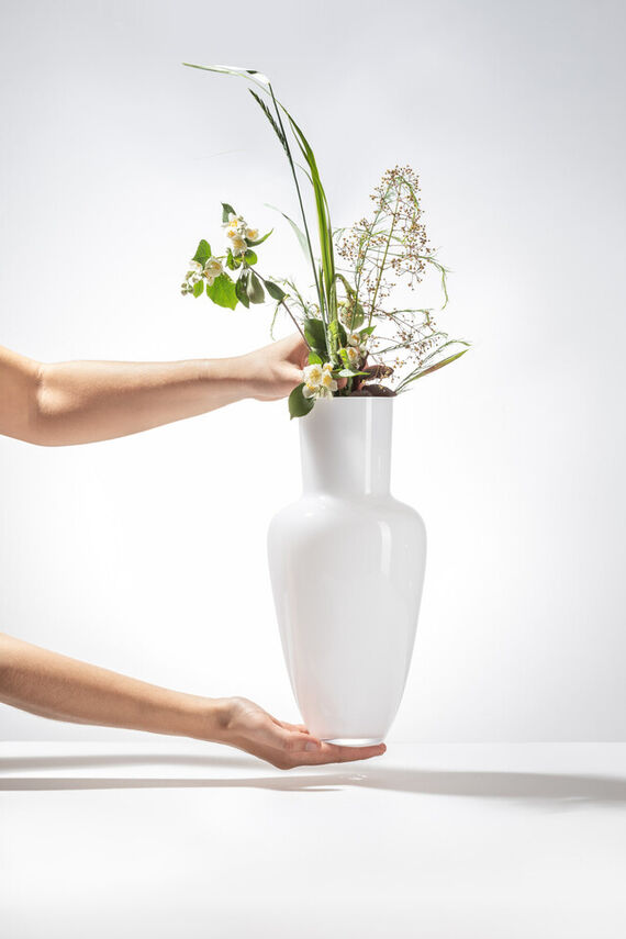 Artwork Garden vase - White other picture