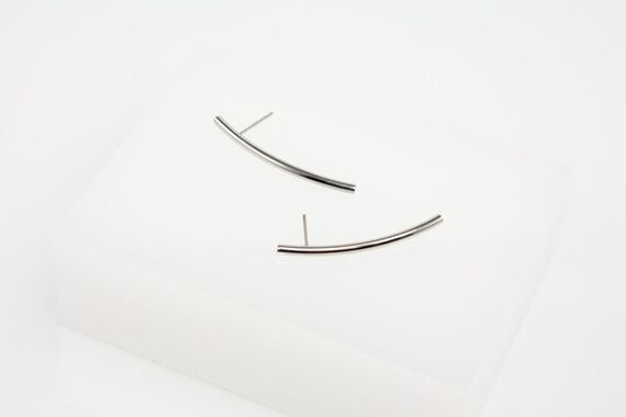 Linie earrings by Katerina  Reich,