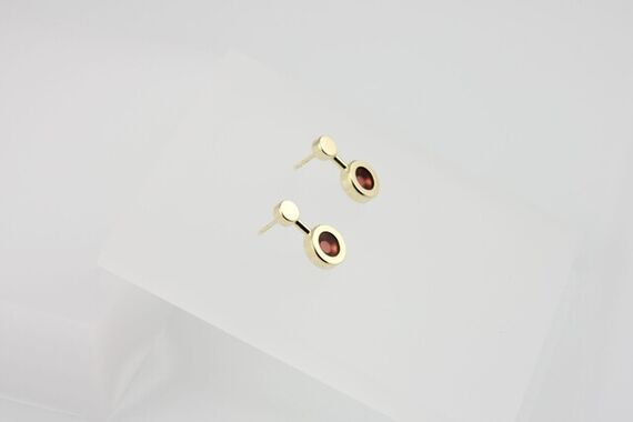 Kyō earrings small + acrylic by Katerina  Reich,