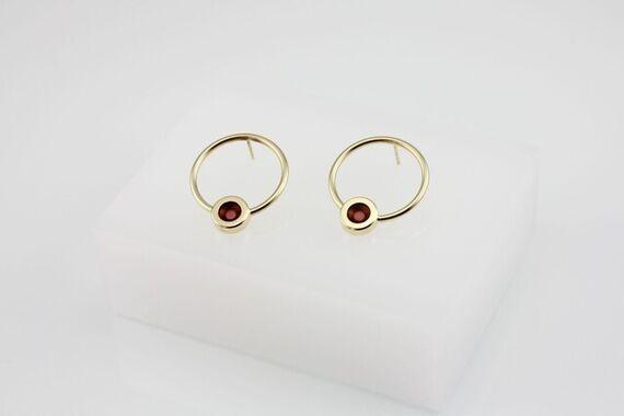 Kyō round earrings by Katerina  Reich,