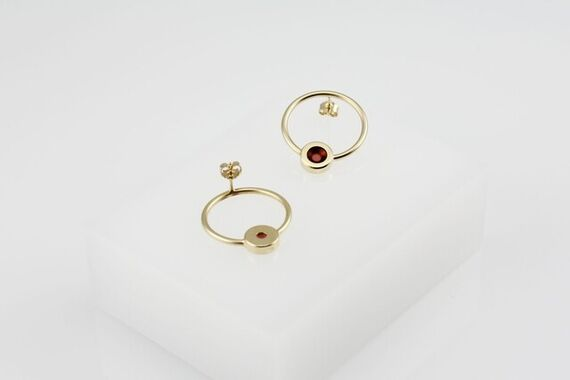 Artwork Kyō round earrings other picture