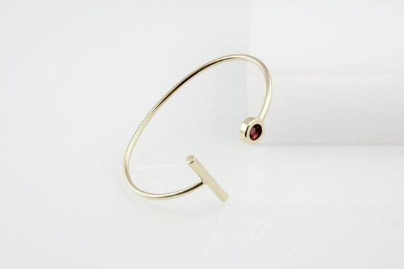 Kyō stick bracelet by Katerina  Reich,