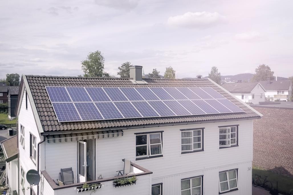 Slik kutter solceller strømregninga