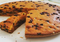 torta vegana: carote e cioccolata