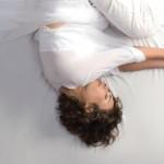 Dormire in una posizione errata potrebbe aumentare il rischio di Alzheimer   Pazienti.it