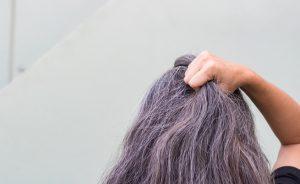 Capelli grigi: individuata la causa | Pazienti.it