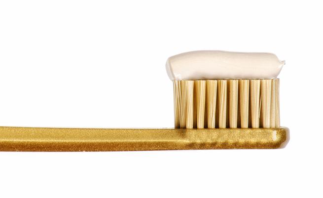 Alcuni rimedi per lo sbiancamento dei denti | Pazienti.it