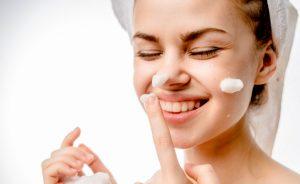 Come lavarsi il viso: ecco alcuni consigli utili   Pazienti.it