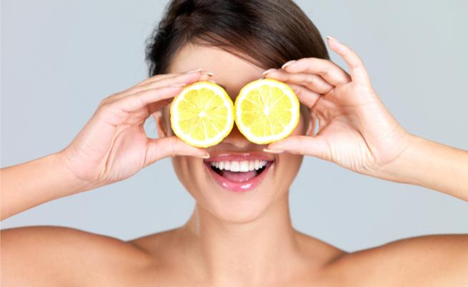 Dieta del limone: ecco i consigli utili per chi vuole perdere peso dopo le feste
