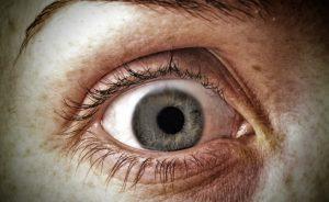 I sintomi della pressione oculare alta e i rischi associati | Pazienti.it