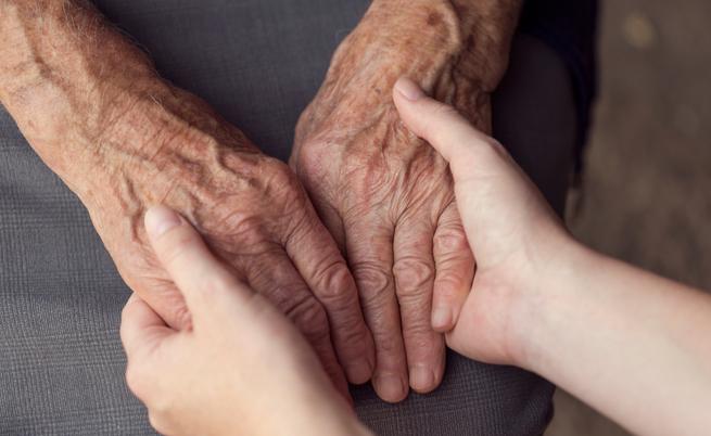 Tutte le agevolazioni per chi assiste parenti malati: legge 104, assegni e detrazioni | Pazienti.it