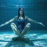 I benefici dello yoga in acqua