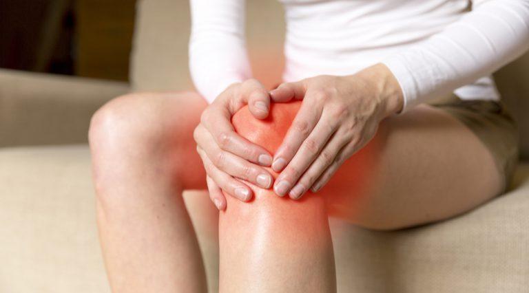 Sindrome della bandelletta o ginocchio del corridore: cause, sintomi, cure e rimedi