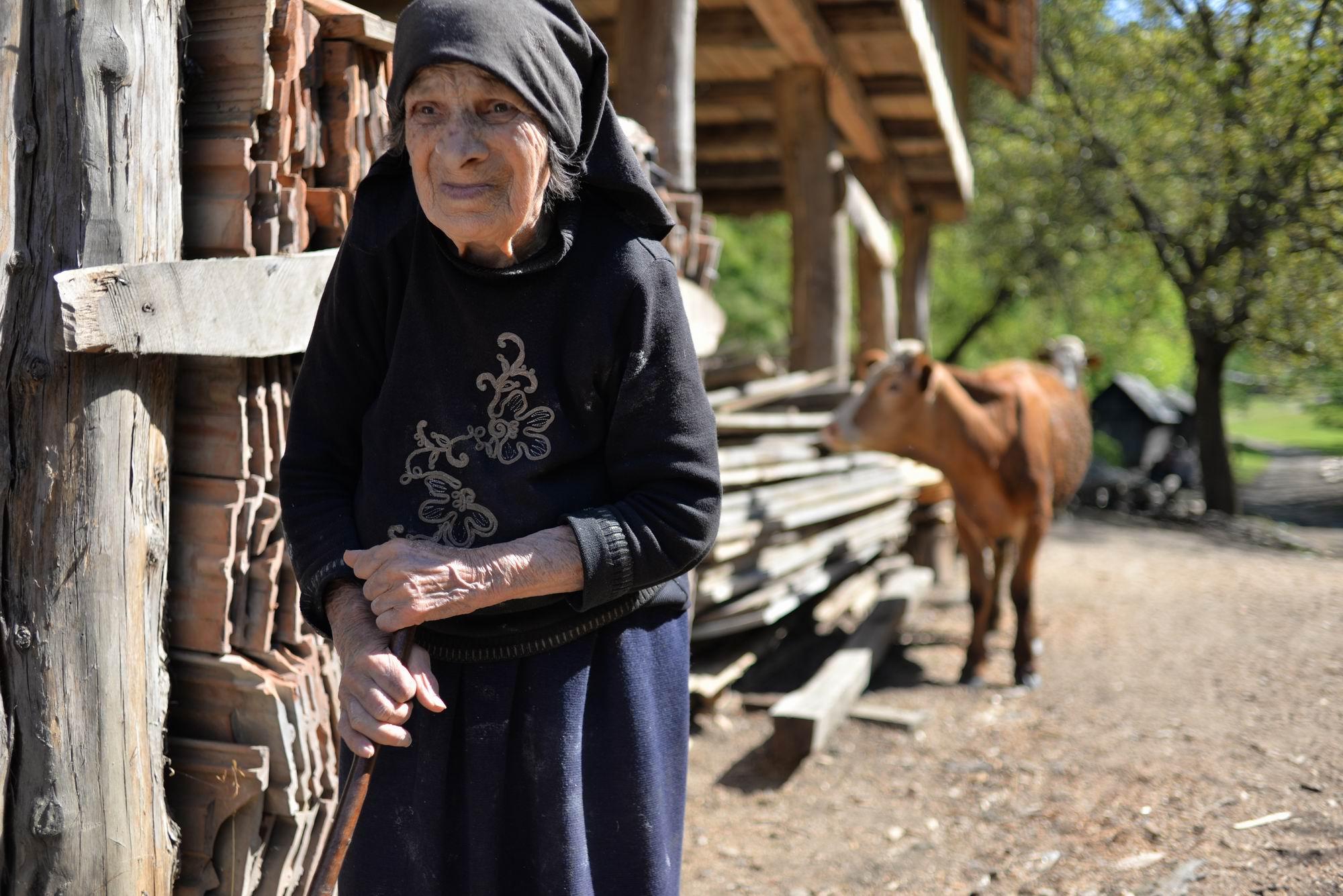 Ana are 92 de ani, dar de doi ani n-a mai văzut-o niciun medic
