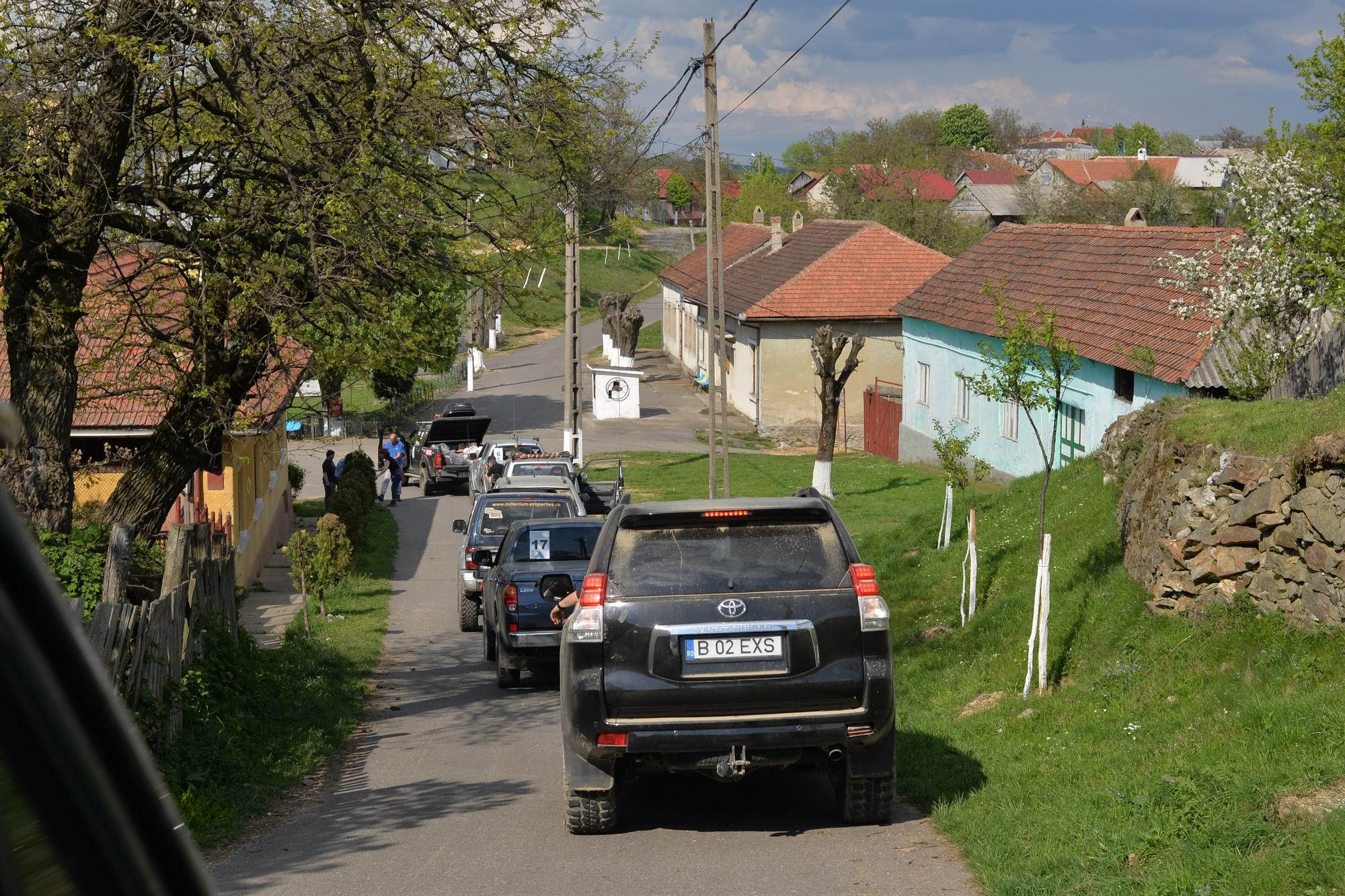 În Revensca trăiesc doar câțiva români. În rest, satul este locuit de cehi